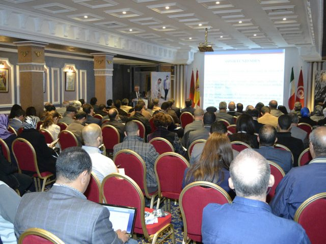 http://www.agropoleolivier.com/wp-content/uploads/2020/06/agropole-olivier-meknes-conferences-640x480.jpg
